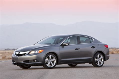 2014 acura ilx features 1 000 price hike