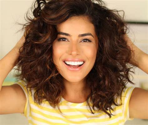 natural curly hair tutorial lots volume youtube sazanbarzani