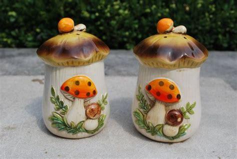 retro merry mushroom sears roebuck salt pepper shakers