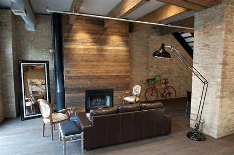 10 unexpected reclaimed wood house