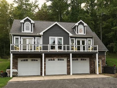 carriage house plans 3 car carriage house plan