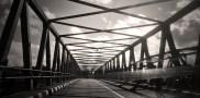 Pada sore di jembatan Kali Opak