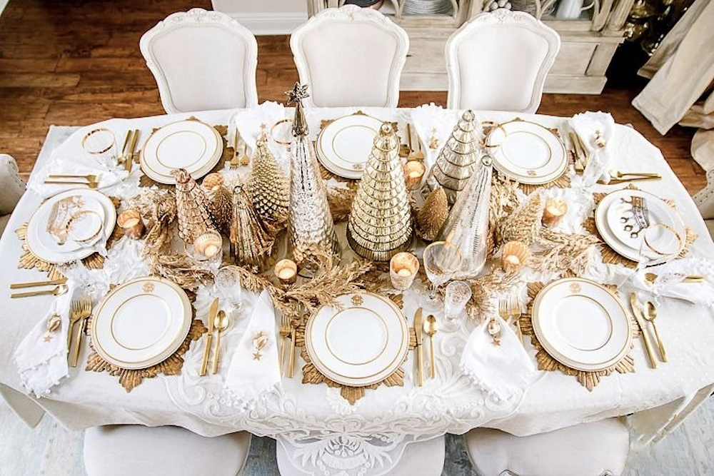 Gold and White Christmas Table is one of the wonderful Christmas table settings
