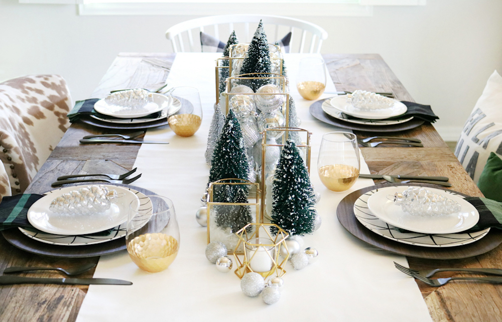 Read fantastic Christmas table settings and be inspired