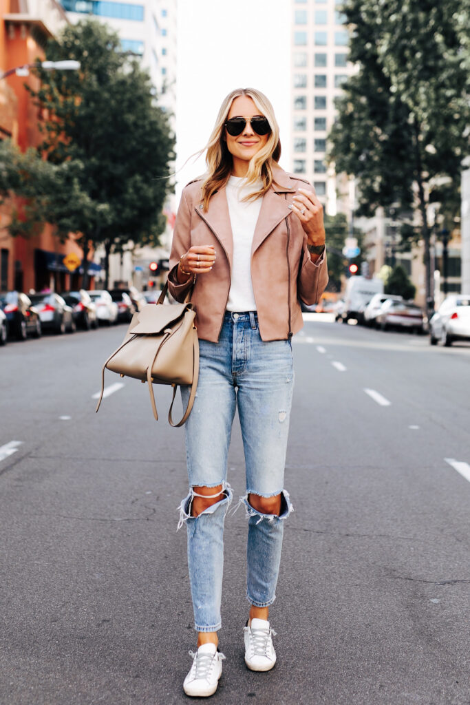 How to dress up a t shirt- Style a t-shirt with leather jacket to add a stylish look