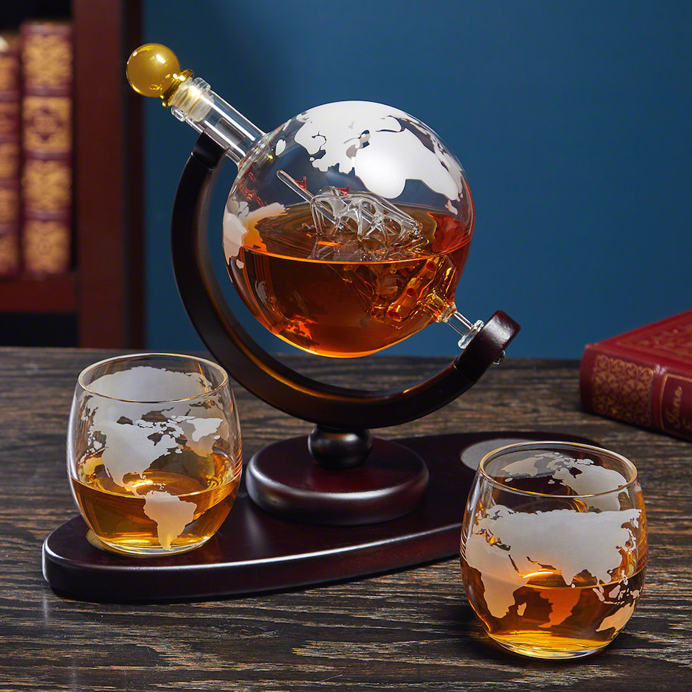 Globe-Whiskey-Decanter-Set-Best-Fathers-Day-gifts-for-grandpa