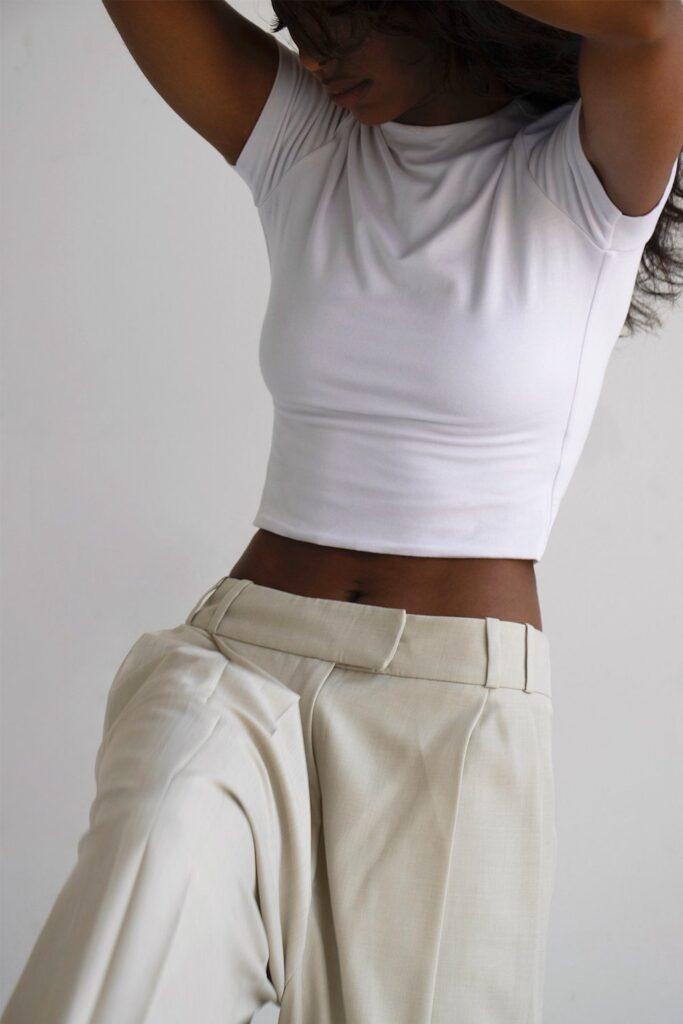 Signature-Crop-T-Shirt-best-white-tshirt-for-women