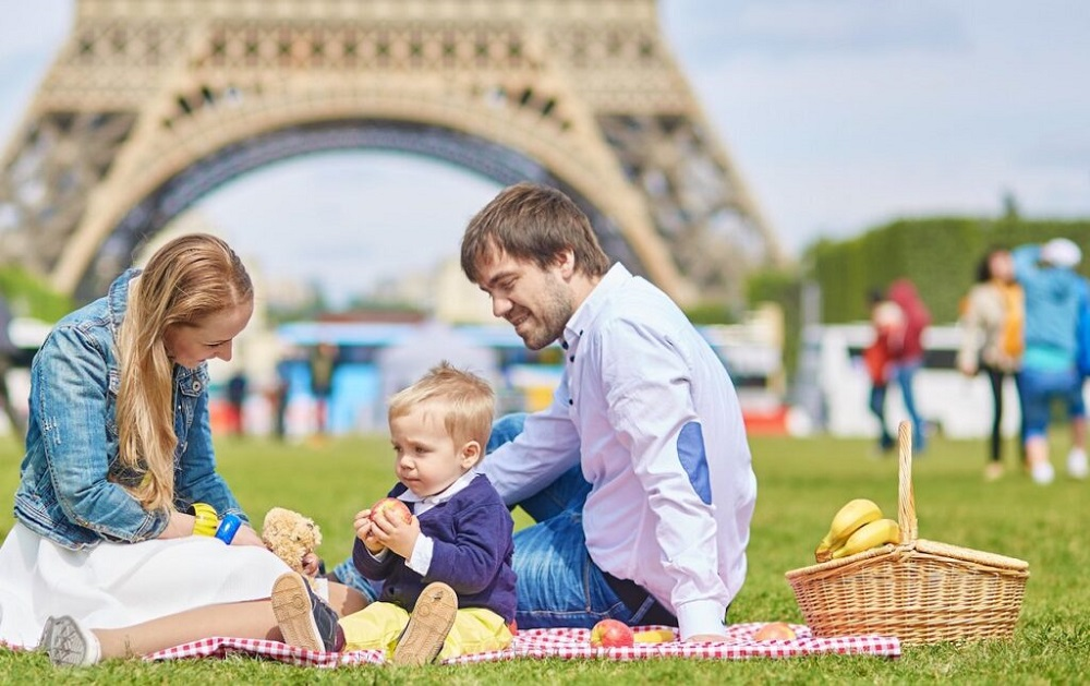 how do they celebrate Mother's Day in France