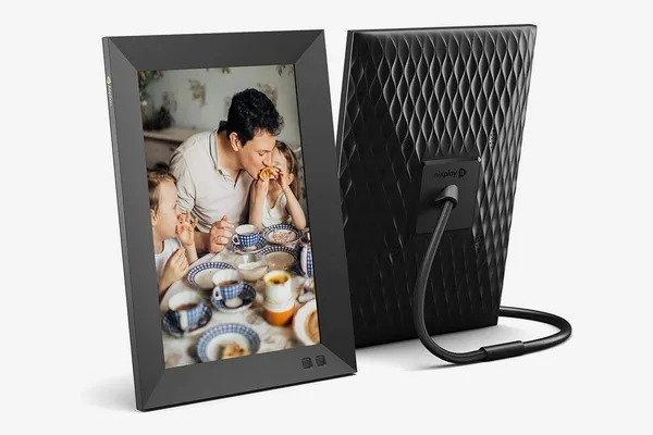 Digital picture frame fathers day tech gift