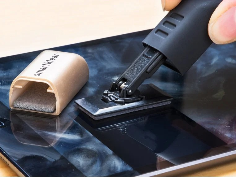 SmartKlear Carbon Smartphone Cleaner Fathers day tech gifts