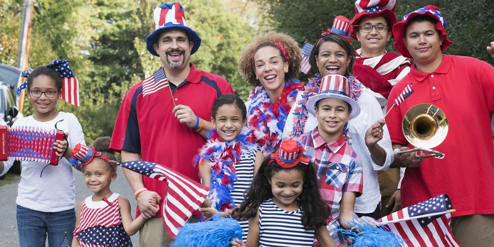 What are Independence Day traditions 2021?