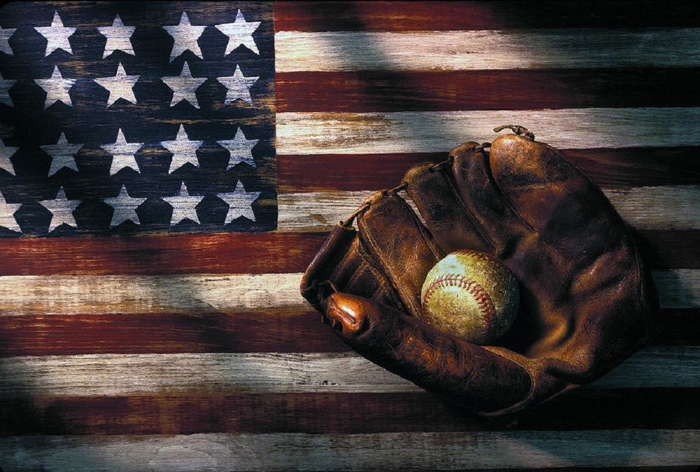 What are Independence Day traditions baseball