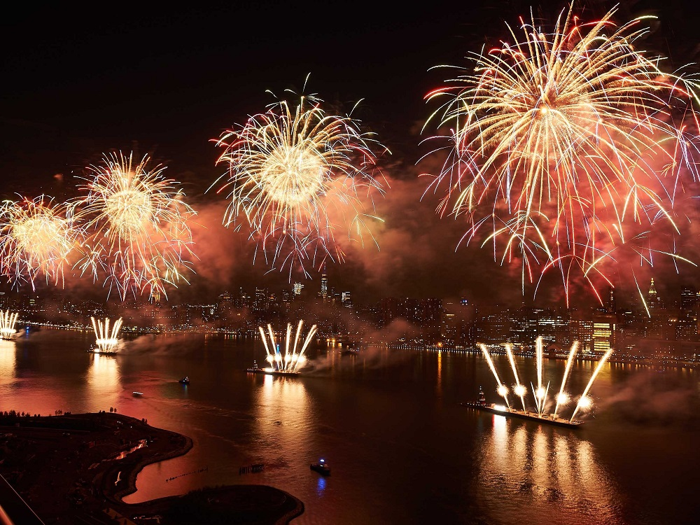 discover where to watch fireworks on Independence Day