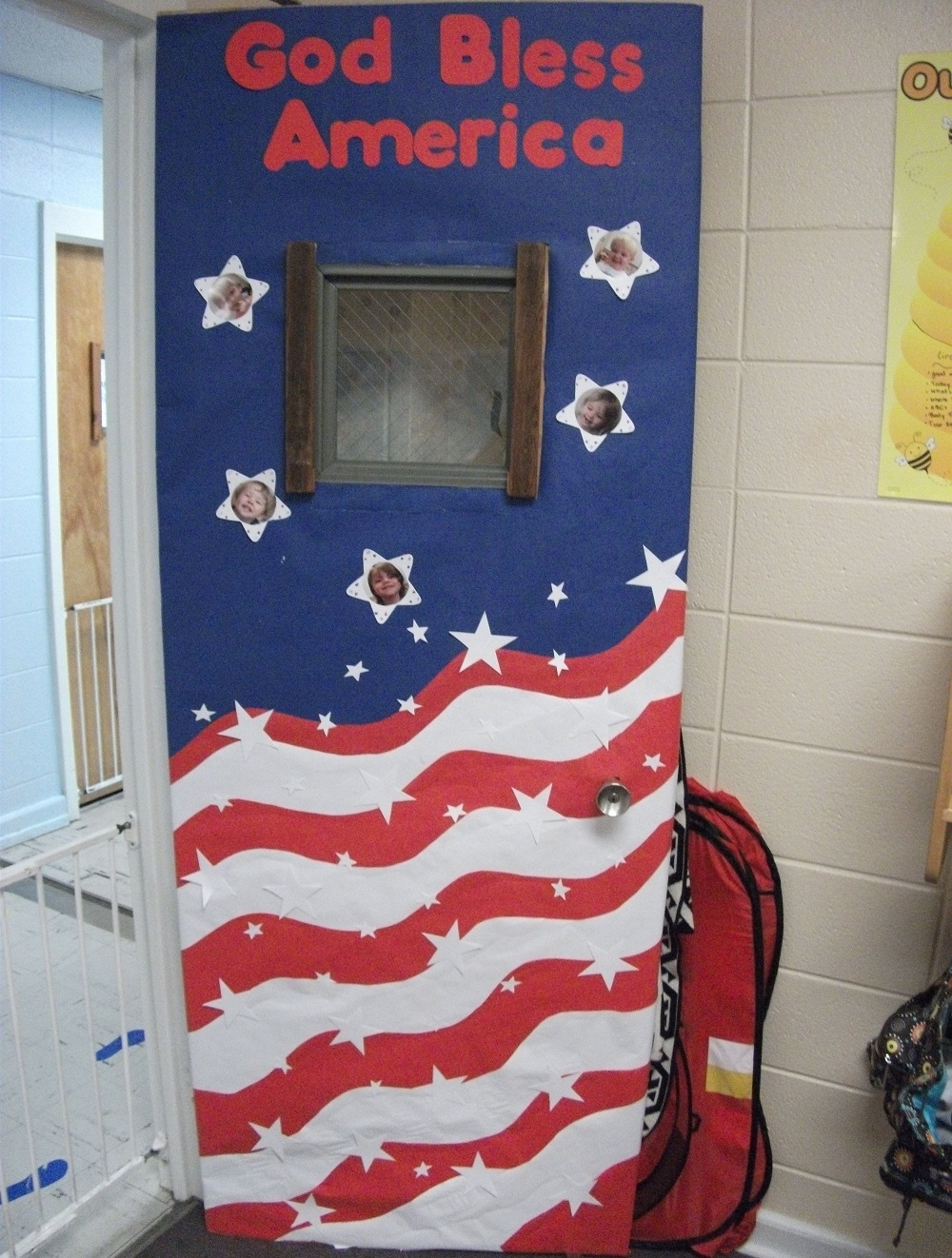 how to decorate school for Independence Day - door decor