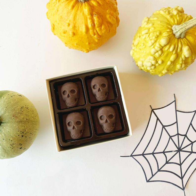 Mini Milk Chocolate Skulls