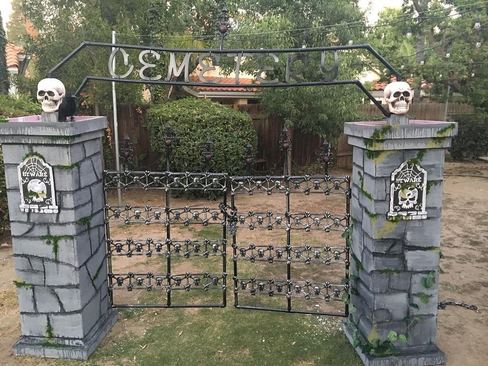 Scary Entrance Decor