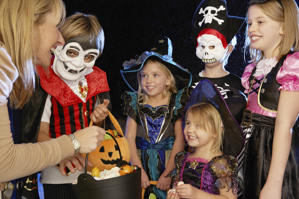 Why do we trick or treat - Fun facts about the traditions