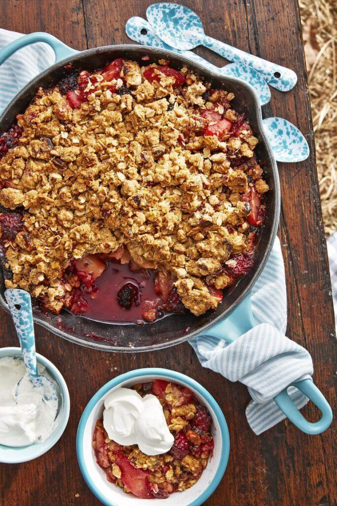 Cast-Iron Apple-Blackberry Crumble- cool Thanksgiving desserts