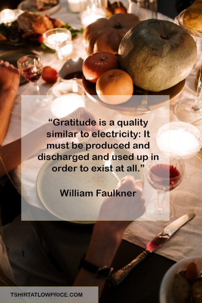 Happy Thanksgiving sentiments quotes for family and friends
