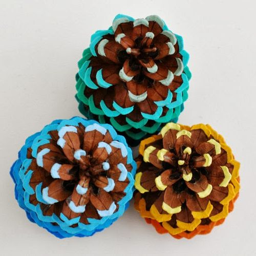 Ombre Pinecones-fun Thanksgiving crafts for young children