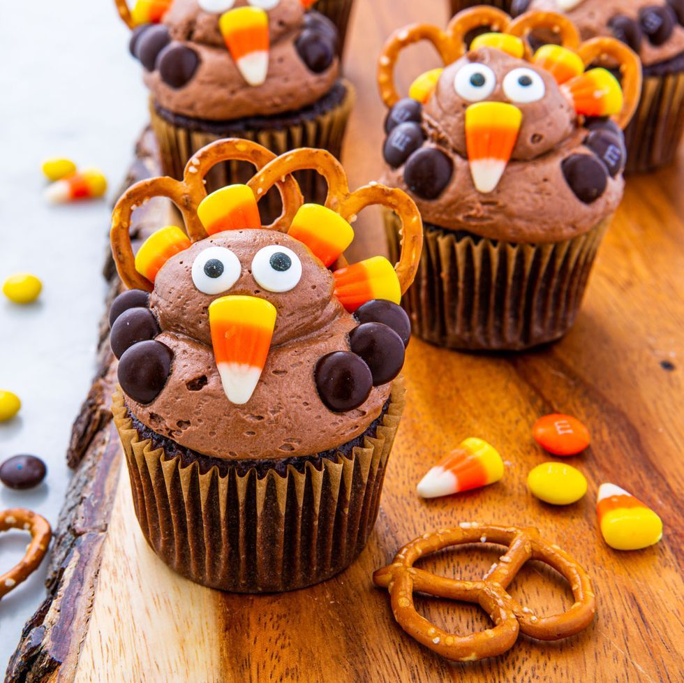 Turkey Cupcakes- cool Thanksgiving desserts