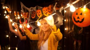When to start decorating for Halloween4