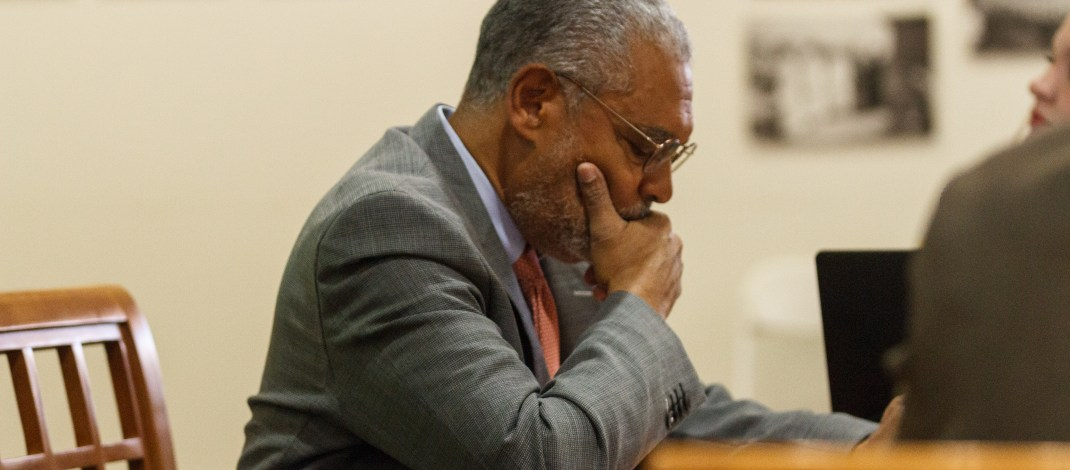 Pitzer President Melvin Oliver vetoes suspension of Haifa study abroad program