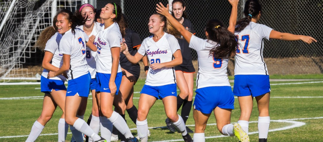 P-P women's soccer shuts out Oxy in 'clinical' victory, advances to SCIAC finals