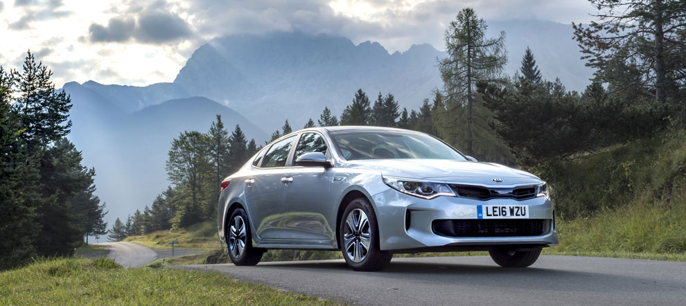 1237458_optima-hybrid-saloon-007