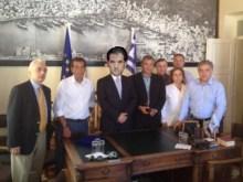 Φιάσκο του βλαμμένου Αδωνάϊ, η κουστωδία εγκατάστασης γιατρού στο Καστελόριζο!!!