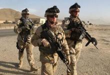 """«Γενναίοι"""" Αμερικανοί ανατινάζουν σκύλο στο Ιράκ, για πλάκα (Βίντεο)"""