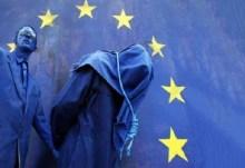 Χένρικ Μ. Μπρόντερ, στη DIE WELT: «Η επαναγορά του ελληνικού χρέους ήταν σκηνοθετημένη… Η Ελλάδα οδηγείται στο θάνατο…»