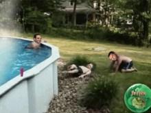 Το Μαξίμου σε πισίνα αιθαλομίχλης