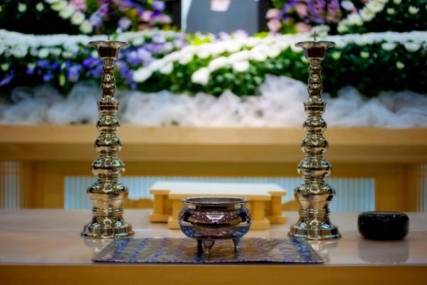 「直葬」で葬儀費用を安く抑える方法