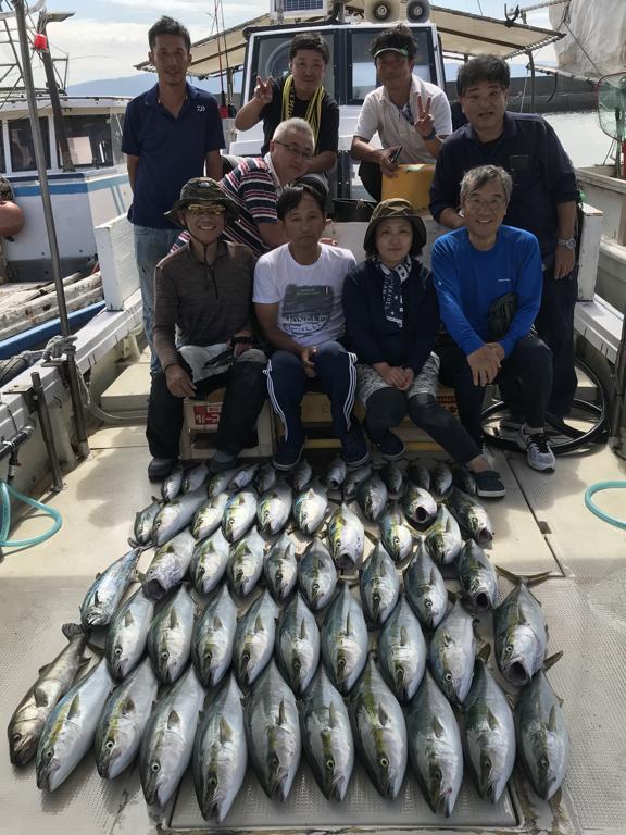 9月29日(日)の釣果(メジロ船中42匹ほかサワラ・スズキなど)