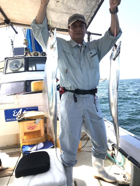2019-10-5-タチウオ天秤釣りで良型のダブル