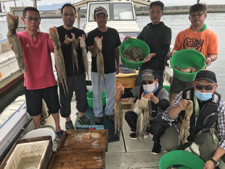 8月3日(月)の釣果(マダコ2kg2杯含む船中45杯)
