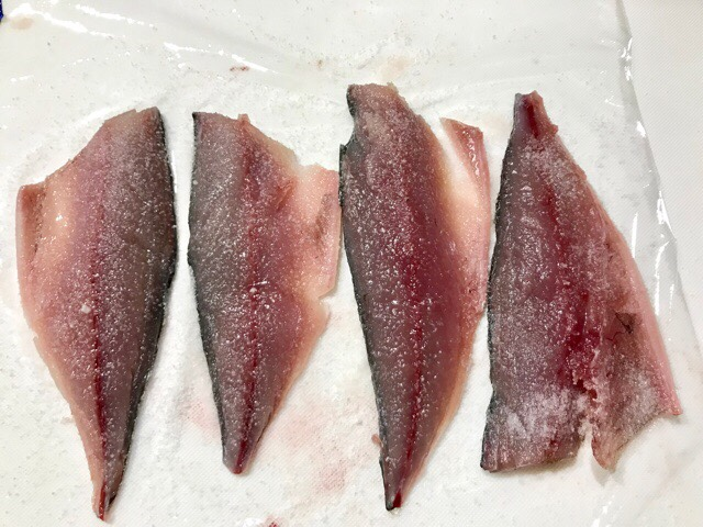 塩締めした鯖の身から出た水分