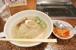 「肉の米内」の冷麺