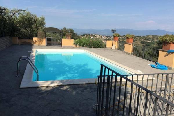 Prestigiosa Villa con piscina