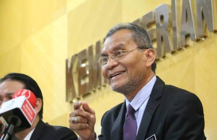 """Tolak 5% gaji untuk skim insurans B40, mansuh bayaran RM1, RM5: tidak benar!"" – Dr Dzulkefly"
