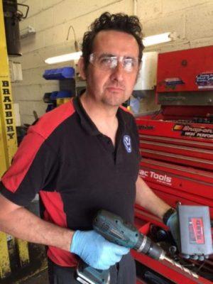 Drilling metal : customer with TTP HARD drills