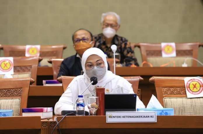 Raker Bersama Komisi IX, Ida Paparkan Strategi Kemenaker Terkait Program Kartu Prakerja