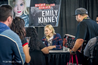 Emily Kinney signing autographs from TWD