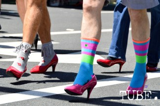 Walk A Mile In Her Shoes consisted of two laps in heels around the center divide on Capitol Rd between 5th and 7th street. Sacramento, Ca. Photo Alejandro Montaño