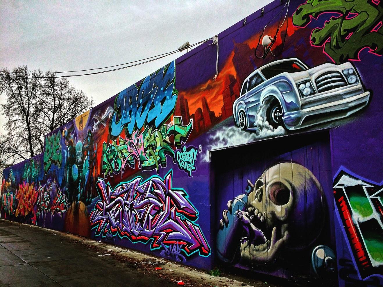 Long shot of Improv Alley, Sacramento, CA