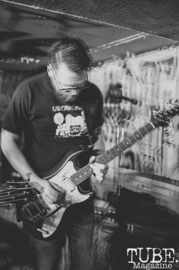 Instagon performing at Casa de Chaos, in Sacramento Ca. December 2017. Photo Heather Uroff.