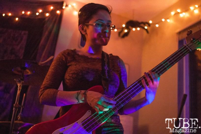 Marisol Ramirez of Yawzea (also Las Pulgas) performing at The Morgue in Davis, CA (1/20/2018). Photo Cam Evans