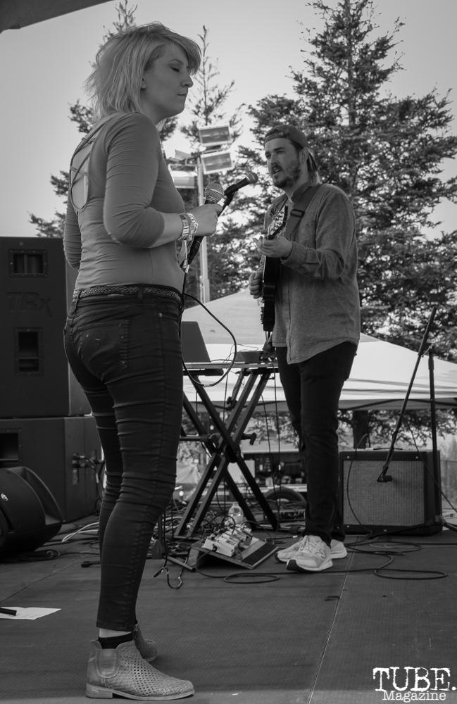 Geoffrey CK vocalist/guitarist and Alexandra Steele vocalist of Sunmonks , First Festival, Tanzanite Park, Sacramento, CA, May 6th, 2018, Photo by Anouk Nexus