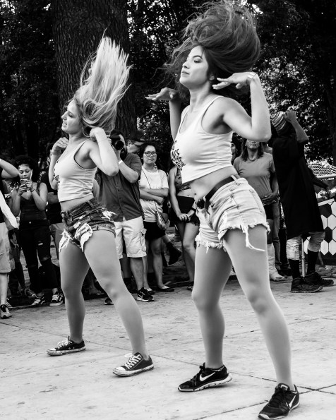 Sac Dance Lab Dancers at Concert in the Park. Cesar Chavez Park, Sacramento, CA. July 27, 2018. Photo by Mickey Morrow.